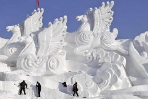 Sculpture-sur-glace-Festival-de-Harbin