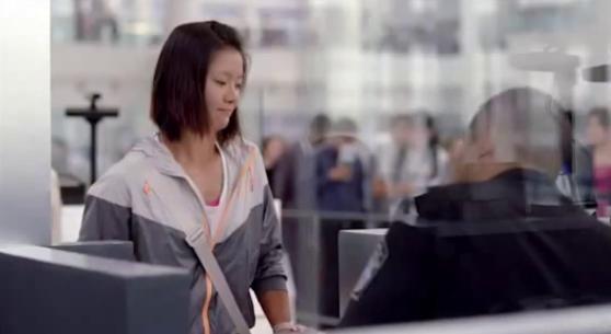 Publicité pour Nike:Lina passe la douane