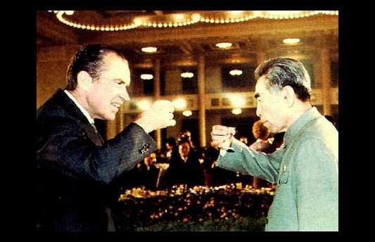 Richard Nixon et le premier ministre Zhou Enlai