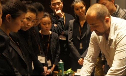 Le combat extraordinaire de Sébastien un artisan floral français à Shanghai