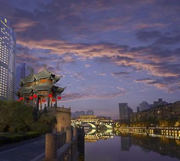 Les petites villes de Chine sont les nouveaux champs de bataille pour les entreprises de luxe