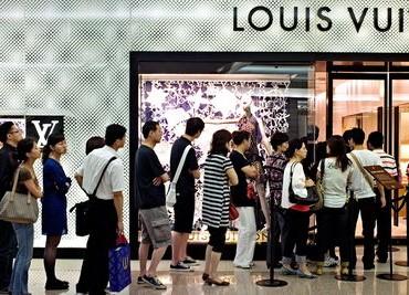 Comment LVMH s'adapte à l'évolution du marché du luxe en Chine ?