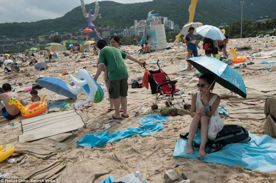 Litter on Chinese beaches 3