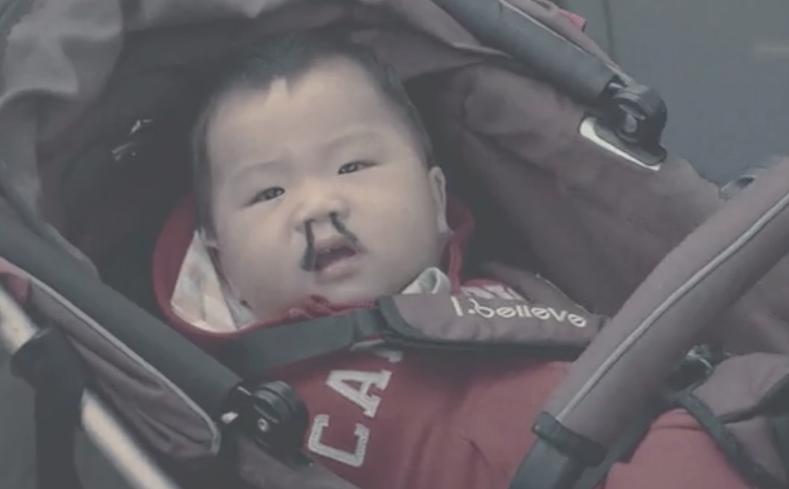 """La campagne """"Hairy Nose"""" pour dénoncer la pollution en Chine !"""